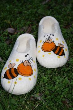 "Купить Тапочки женские ""Пчелка2"" - тапочки, тапочки домашние, тапочки из шерсти, тапочки из войлока"