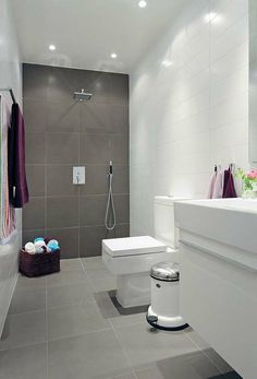 Charmant Salle De Bain Zen Avec Des Couleurs Décoratives. Modern Bathroom  DesignModern BathroomsWhite BathroomsSmall ...