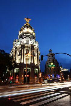 Edificio Metrópolis, Madrid, Spain   | Flickr - Photo Sharing!