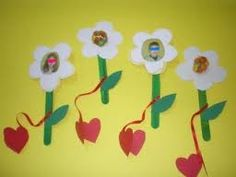 a flower for mom Mothers Day Crafts, Activities, Flowers, Diy, Gifts, Presents, Bricolage, Do It Yourself, Favors