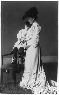 Edith Kermit Roosevelt with Quentin, 1902