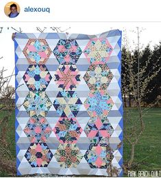 Jaybird Quilts Park Bench Quilt, made with the HexNMore & Sidekick rulers. Available in local & online quilt shops. #JaybirdQuilts #HexNMore #SidekickRuler