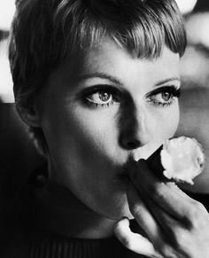 Mia Farrow - 1977