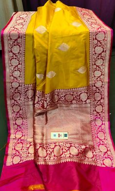 Kanchi Organza Sarees, Kanjivaram Sarees Silk, Bengali Wedding, Saree Wedding, Indian Dresses, Indian Outfits, Deepika Padukone Style, Frock Fashion, Bridal Bangles