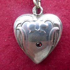 Kleines Jugendstil Herz Medaillon - Anhänger, Silber 800, mit rotem Stein