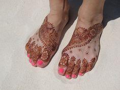 HENNA FOR BEACH WEDDING Designs To Draw, Mehndi, Body Painting, Body Art, Beach, Wedding, Bodypainting, Mariage, Weddings