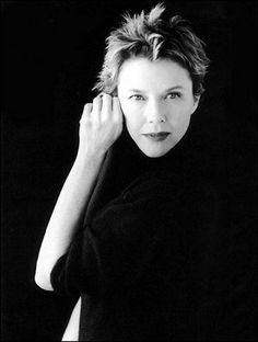 Annette Bening because she tamed Hollywood's baddest boy. To do that she has to be the sexiest and smartest broad in town.