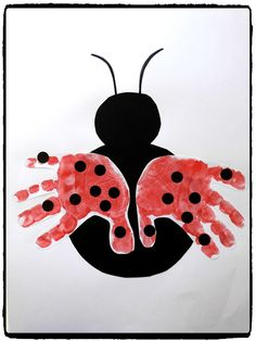 Petite coccinelle & ladybug handprints, spring, diy child The post Little ladybug & appeared first on Best Pins. Toddler Art, Toddler Crafts, Preschool Crafts, Ladybug Crafts, Handprint Art, Crafts For Kids To Make, Summer Crafts, Art Projects, Arts And Crafts