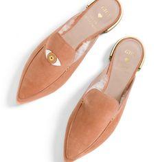 Gig Hadid lanzó al mercado su segunda colaboración de zapatos para Stuart Weitzman