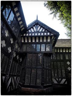 Speke Hall Tudor Architecture, Renaissance Architecture, Vernacular Architecture, Deborah Harkness, Pub Ideas, Liverpool Home, Castles In England, Living In England, Commonplace Book