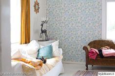 Oh that wallpaper. Living Room, Room, Interior, Home Decor Decals, Nursery Inspiration, Home Decor, Living Room Interior, Room Colors, Dreamy Room