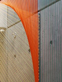 Arte y Arquitectura: Prisma, hilos que conducen al ilusorio espacio geométrico por Inés Esnal,Cortesia de Inés Esnal