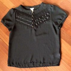 Adorable black blouse Short-sleeve black blouse from Forever 21 in perfect condition Forever 21 Tops Blouses