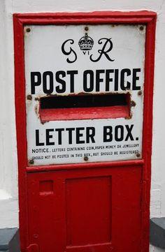 Express Post-La livraison est assurée par XpressPost dans les 24 à 48 heures suivant la réception de votre commande pour le Québec et en 3 à 5 jours pour le reste du Canada.    Crédit:http://www.cafe-vrac.com/politiques-policies/