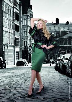 Simone Weghorn - Modedesign   Jagdcouture, Poncho, Loden, Schwarz, Grün, Satin, Rock, Midi, Trachtenstil,