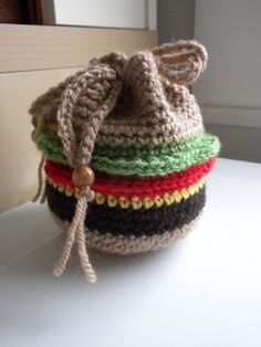 A drawstring Hamburger Bag by Kristen Stevenson. Free pattern at Ravelry.