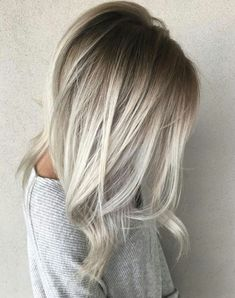 Looking to go blonde this summer? Check out the Best Blonde Hair Colors ideas Best Platinum Blonde Best Golden Blonde Best Ash Blonde Best Balayage Best Dirty Blonde Best Strawberry Blonde and more. Balayage Straight, Ash Blonde Balayage, Platinum Blonde Hair, Hair Color Balayage, Blonde Ombre, Blonde Color, Hair Highlights, Blond Hair Colors, Hair Colors For Blondes