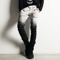Rememberclick Gradient Skinny Jeans Take one crappy pair of jeans, bleach, then dip dye in black from the bottom! I need theses! Fashion Tips For Women, Diy Fashion, Korean Fashion, Fashion Outfits, Womens Fashion, Alternative Mode, Alternative Fashion, Sweatpants Outfit, Overall