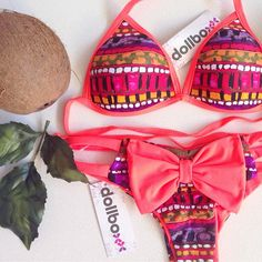 I absolutely love these colors, I can't wait to order this bikini!!