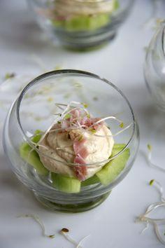 Hammousse met komkommer - http://www.mytaste.nl/r/hammousse-met-komkommer-8122218.html