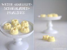 Weisse Gugelhupfschoko-Pralinen