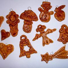 Vánoční perníčky recept a zdobení - Kreativní Techniky Gingerbread Cookies, Cookie Cutters, Diy And Crafts, Christmas, Food, Recipies, Gingerbread Cupcakes, Xmas, Essen