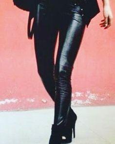 #leggings nero #ecopelle #rientrati