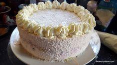 Tort cu mascarpone, lapte condensat și fructe: căpșuni, zmeură, afine - fără coacere   Savori Urbane Vanilla Cake, Tiramisu, Cheesecake, Ethnic Recipes, Desserts, Food, Mascarpone, Tailgate Desserts, Deserts