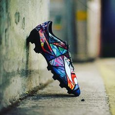Like a piece of art!!! @concavefootball #Volt made with the artist…