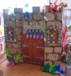 INFANTIL de GRACIA: CÓMO SON LOS CASTILLOS SEGÚN SU LOCALIZACIÓN Vbs Crafts, Crafts For Kids, Diy And Crafts, Castle Classroom, Hot Toys Iron Man, Castle Party, Enchanted Kingdom, Vbs Themes, Knight Party