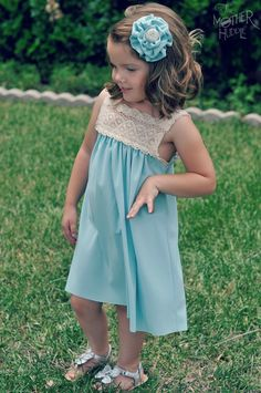 Knit and Cluny Lace Dress Tutorial. Looks surprisingly simple! Sewing Kids Clothes, Sewing For Kids, Baby Sewing, Diy Clothes, Clothing Patterns, Dress Patterns, Sewing Patterns, Little Girl Dresses, Girls Dresses