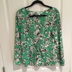 Green print blouse with tie at waist
