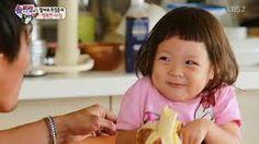 Choo Sarang <3 ~ eating banana..