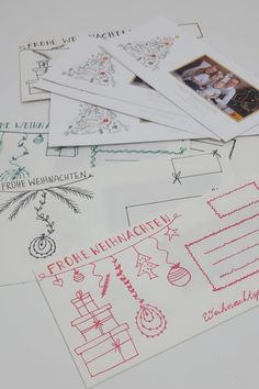 Weihnachtskarten hübsch versenden in Handletter Briefumschläge Diy Weihnachten, Bullet Journal, Map, Custom Holiday Cards, Kid Pictures, Location Map, Maps
