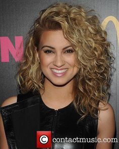 Tori Kelly haircut