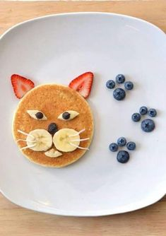 pancake for kids Pancake cat - - pancake Cute Food, Good Food, Yummy Food, Pancake Cat, Food Art For Kids, Toddler Snacks, Kid Snacks, Cute Snacks, Food Decoration