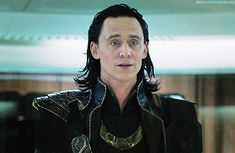 Tom Hiddleston as Loki in the Avengers Loki Marvel, Loki Thor, Loki Laufeyson, Tom Hiddleston Loki, Marvel Comics, Avengers, Loki Gif, Dc Movies, Marvel Cinematic Universe
