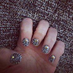 Bouclé nails
