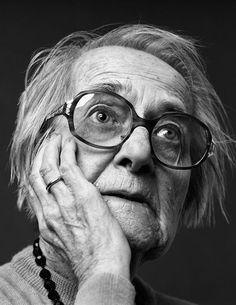 Beautiful Monochrome Portraits of #Alzheimers Patients #mindcrowd #tgen www.mindcrowd.org