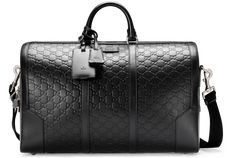 Discover men's duffle bags perfect for being your carry-on, weekend and overnight bag. The Gucci collection features bags crafted with leather and GG canvas. Gucci Handbags, Purses And Handbags, Coin Purses, Leather Duffle Bag, Duffle Bags, Leather Bags, Mens Luggage, Sacs Design, Gucci Store