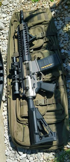Survival Tips and Guides Military Weapons, Weapons Guns, Guns And Ammo, Military Tactics, Airsoft, Ak47, Armas Wallpaper, Ar 15 Builds, Survival