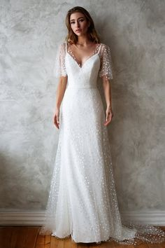 Wedding Dress Bridal Girl Long Bridal Robe Dresses To Wear To A Summer Wedding 2019 Wedding Decorations – inloveshe Affordable Wedding Dresses, Best Wedding Dresses, Unique Dresses, Bridal Dresses, Vintage Dresses, Gown Wedding, Wedding Cakes, Wedding Rings, Elegant Dresses