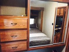 2015 Used Palomino Sabre Silhouette Fifth Wheel in Michigan MI.Recreational Vehicle, rv, 2015 Palomino Sabre Silhouette , 1/2 Ton Towable 5th wheel, bunk house Asking $30000 firm. Has nada of over $40,000.......... 2015 Palomino M-320FQDS Sabre Silhouette Series IMPORTANT: Please read valuation notes pertaining to this model below 2015 Palomino M-320FQDS Suggested List Price ? $39,162 Low Retail ? $40,175 GREAT BUY, GREAT FLOOR PLAN PLEASE CALL, TEXT, or EMAIL WITH ANY QUESTIONS! Sabre…