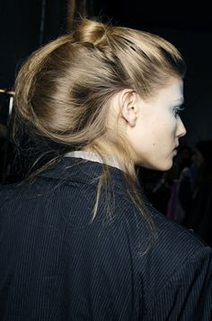 loose topknot