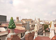 From the roof of Palau Güell,here you can see the colored chimneys, Barcelona. Barcelona Tourism, Gaudi, Paris Skyline, Architecture, Building, Modern, Travel, Color, Arquitetura