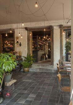 Restaurant Little V Rotterdam_MASA architects (Hiroki MAtsuura + René SAngers)_© Bill de Klimpe-08