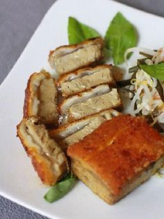Vietnamese Recipes – Home-made Crispy Vegetarian Roast Pork Belly from Ham (Roll or Meat Loaf) and Bread – Thit Heo Quay Chay