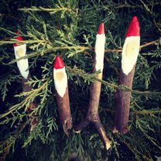 Santa gnomes made from sticks and paint from Lisa Woodruff Silverberg #pinspirationparty