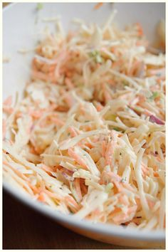 Coleslaw: white cabbage 1 large carrot 2 spring onions 1 small red onion Dressing: 1 tbsp sugar tsp salt tsp celery salt pinch of pepper 1 tbsp milk 6 tbsp mayo 2 tbsp buttermilk tsp Dijon mustard 1 tbsp lemon juice 2 tsp dried parsley Kayotic Kitchen Vegetarian Recipes, Cooking Recipes, Healthy Recipes, Cooking Food, Good Food, Yummy Food, Coleslaw, Different Recipes, Soup And Salad