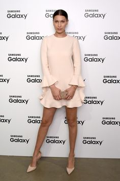 Naked in the Streets: The Best Celebrity Nude Style 16 monochromatic neutral outfit ideas to take from the most stylish celebrities: Bella Hadid Day Dresses, Nice Dresses, Short Dresses, Celebrity Dresses, Celebrity Style, Silhouette Mode, Fashion Mode, Fashion Tips, Tokyo Fashion